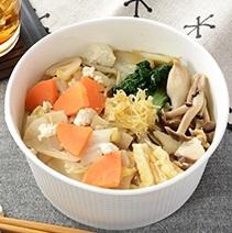 新発売のコンビニ麺:ローソン「鶏ガラと魚介のうま味広がる醤油ラーメン」ほか