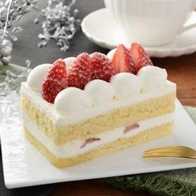 新発売のコンビニスイーツ:ナチュラルローソン「苺のショートケーキ」ほか