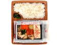 ファミリーマート 包み仕立て弁当 豚肉と野菜のキムチ鍋風