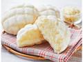 ローソン 白いメロンパン 北海道産生クリーム使用