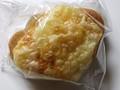 デイリーヤマザキ デイリーホット マリボーチーズの塩バターパン 袋1個