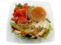 セブン-イレブン 熊本県産トマトと肥後のうまか赤鶏サラダ