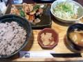 大戸屋 鶏と野菜の黒酢あん定食