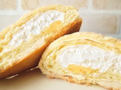 ファミリーマート ホイップデニッシュメロンパン