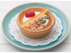 ファミリーマート JewelrySweets レモン風味のチーズタルト ホワイトチョコとフルーツナッツ