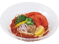 セブン「ピリッと旨い!冷しカレーうどん」など:新発売のコンビニ麺