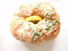 ヒグベーグル 焼サーモンとカニクリーム
