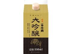 秋田県醗酵工業 一滴千両 大吟醸 パック900ml