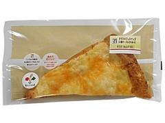 セブン-イレブン クワトロフォルマッジ4種チーズ&はちみつL