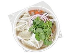 ナチュラルローソン 具だくさんパクチー餃子の中華スープ