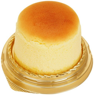 新発売のコンビニスイーツ:ファミリーマート「ふんわりしっとりチーズスフレ デンマーク産クリームチーズ使用」ほか