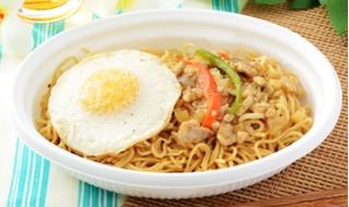 新発売のコンビニ麺:セブン「海老とイカの焼ビーフン」ほか