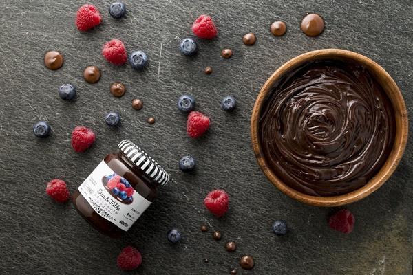 ローカー「ダブルチョコ」が新発売!チョコホリックの夢を叶えるウエハース