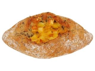 ファミリーマート 黒ごまとチーズのライ麦パン