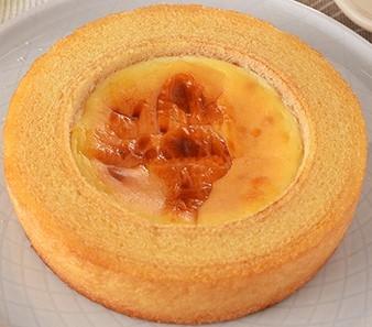 ファミリーマート ベイクドチーズケーキのバウム
