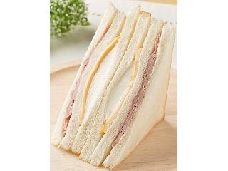 ファミリーマート HOTサンド 4種のチーズのサンド