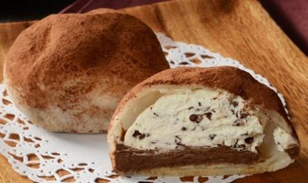 ローソン ホボクリム ほぼほぼクリームのシュー ショコラ