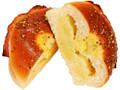 ファミリーマート 手巻きベーコンポテトパン