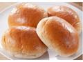 ファミリーマート ファミマ・ベーカリー 全粒粉入りテーブルロール 北海道産小麦の小麦粉使用 4個入