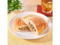 ファミリーマート ファミマ・ベーカリー 餃子みたいなパン