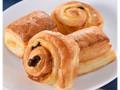 ファミリーマート ファミマ・ベーカリー りんごデニッシュとパン・オ・レザン 4個入