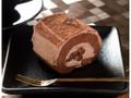 ローソン Uchi Cafe' SWEETS スペシャルショコラケーキを包んだブッシュドノエル