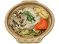 セブン-イレブン 豚肉ときのこの鍋あごだし使用
