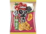 カルビー 堅あげポテト 匠味 完熟梅と塩昆布味 袋73g