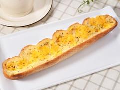 ファミマ「ガーリックチーズフランス」とっても香ばしそう!
