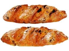 ファミリーマート ファミマ・ベーカリー 五穀とレーズンのフランスパン