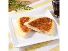 ファミリーマート ファミマ・ベーカリー こんがりチーズのパン ツナ&チーズクリーム