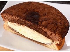 ファミリーマート ファミマ・ベーカリー ふわふわティラミスケーキ イタリア産マスカルポーネ入りクリーム