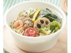 ファミリーマート やさいとたべるパスタ 魚介と野菜のハーブソルト
