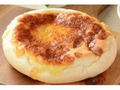ローソン 焼チーズパン カマンベールチーズクリーム