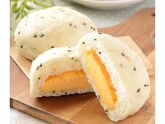 ローソン NL 糖質オフの黒ごまとチェダーチーズクリームのパン 2個入