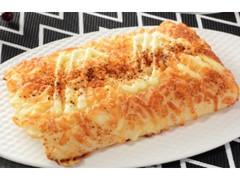 ローソン 一味と黒胡椒のチーズパン