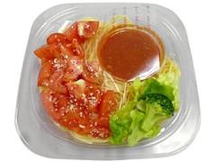 セブン-イレブン トマト1個分を使った冷製パスタ