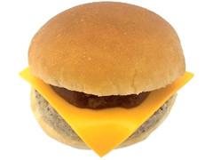 セブン-イレブン トマトソースのチーズバーガー