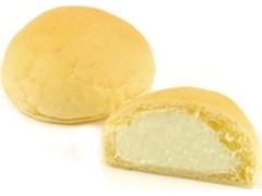 ニューデイズ EKI na CAFE 生クリームパン