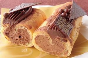 濃い目のガナッシュ明るいチョコクリーム、2つのクリームの違いが見て取れます。