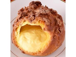 ファミリーマート 香ばし生地のクッキーシュー