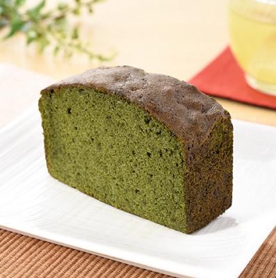 ファミリーマート 濃い色抹茶のパウンドケーキ