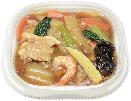 9種具材の特製中華丼