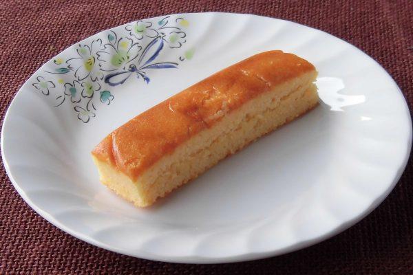見た目はまったくの、スティックタイプチーズケーキ。