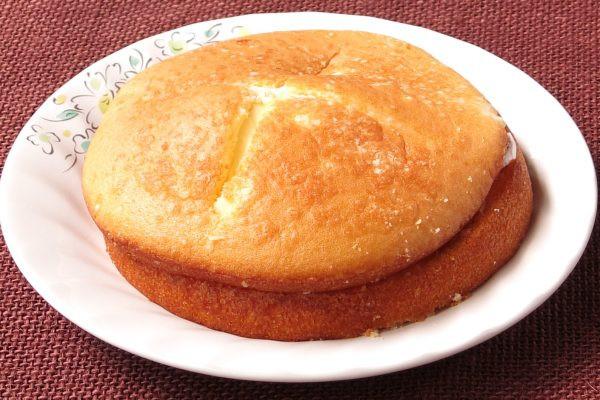 2枚重なった、きれいな焼き目のパンケーキ。