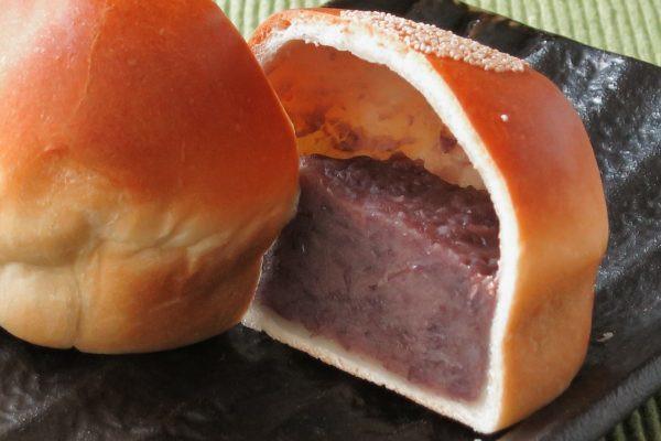 羊羹のようなあんこに対するパン生地の薄さは本場の塩パン以上。