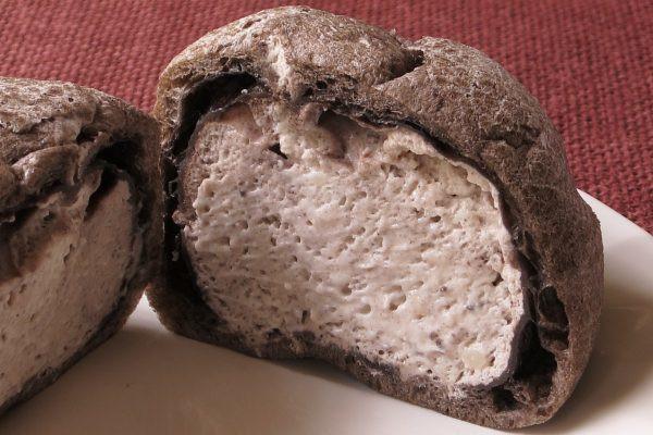 クッキー入りのクリームが隙間なく詰まっています。