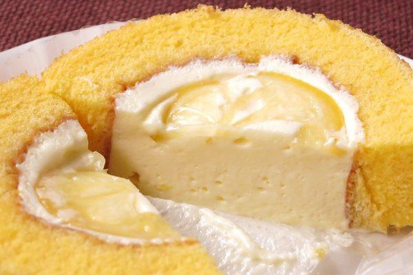 レモンの下のクリームはぽってりしたタイプ。