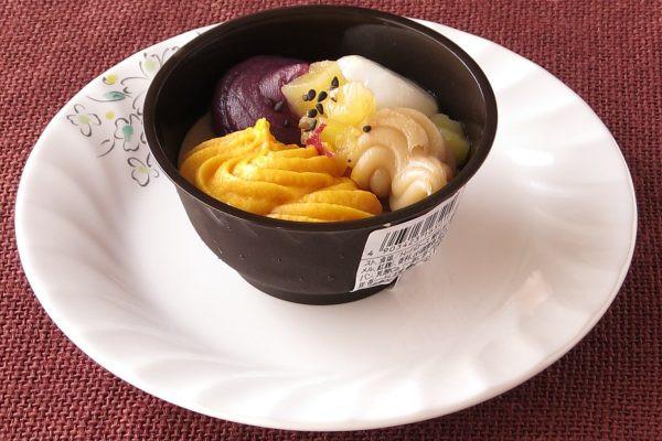 秋の味覚三種の他に、白玉とこしあんを合わせてあります。