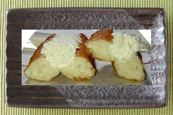 コッペパン型の揚げパン。